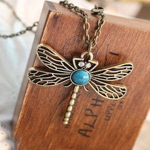 dragoflynecklace