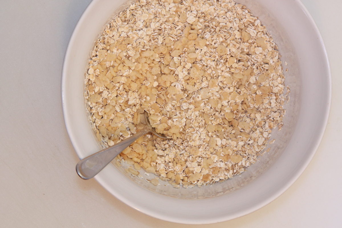 Mix Rice Krispies and Oats