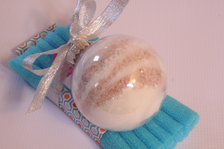 Attach ornament filled with bath salt to The Bathery Bath Cloth