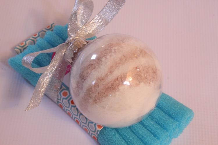 Attach ornament filled with bath salt to The Bathery Bath Cloth