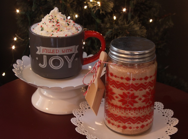 DIY Hot Cocoa Mix - great for gifting