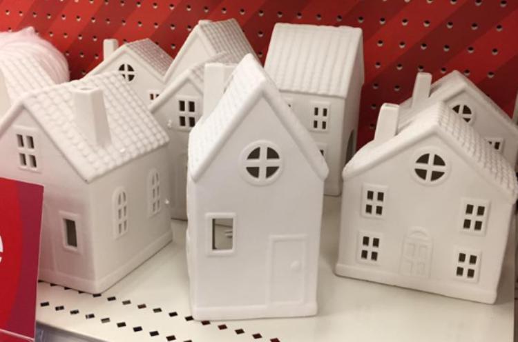 target-read-clear-xmas-tara-white-house