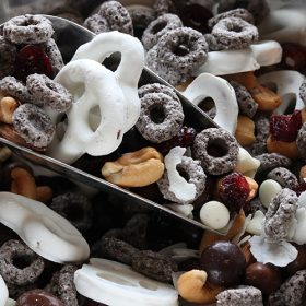 Oreo O's Trail Mix