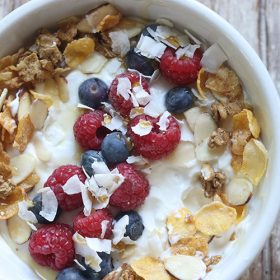 Smoothie Bowl with Honey Bunches of Oats