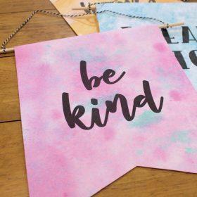 DIY Paper Pennants – Free Printables!